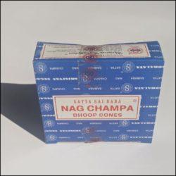 NAGCHAMPA blau Räucherkegel